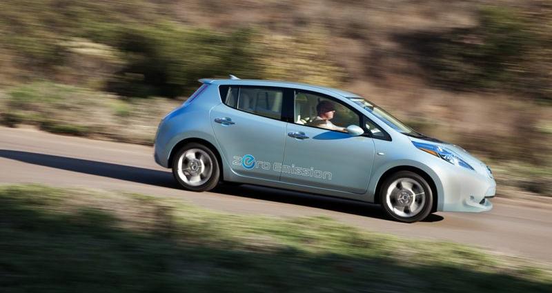 Как электромобили позволяют водителям экономить