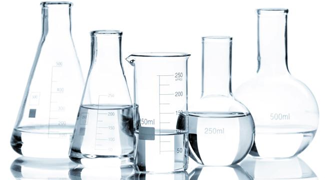 Почему в лаборатории используется стеклянная посуда